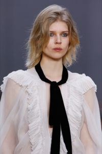 2179-chloe-fw16-hair-make-up-fashion-beauty-magazino26-fashion-blog-service