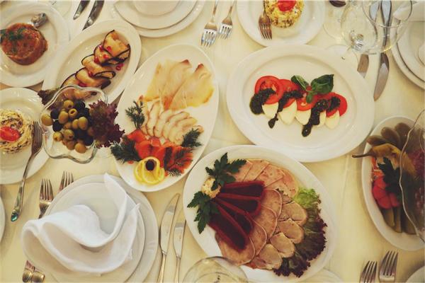 abbuffate-di-natale_-francesco-taboni-nutrizionista_magazzino26-blog