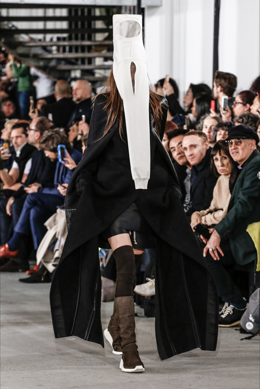 Rick_Owens_Black_and_white_Magazzino26_fashion_blog_photography_beauty_runway